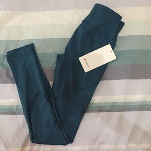 Lululemon leggings. Size 4 brand new with tag